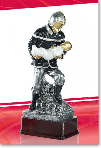 Feuerwehrmann 23cm mit Baby mit Gravur